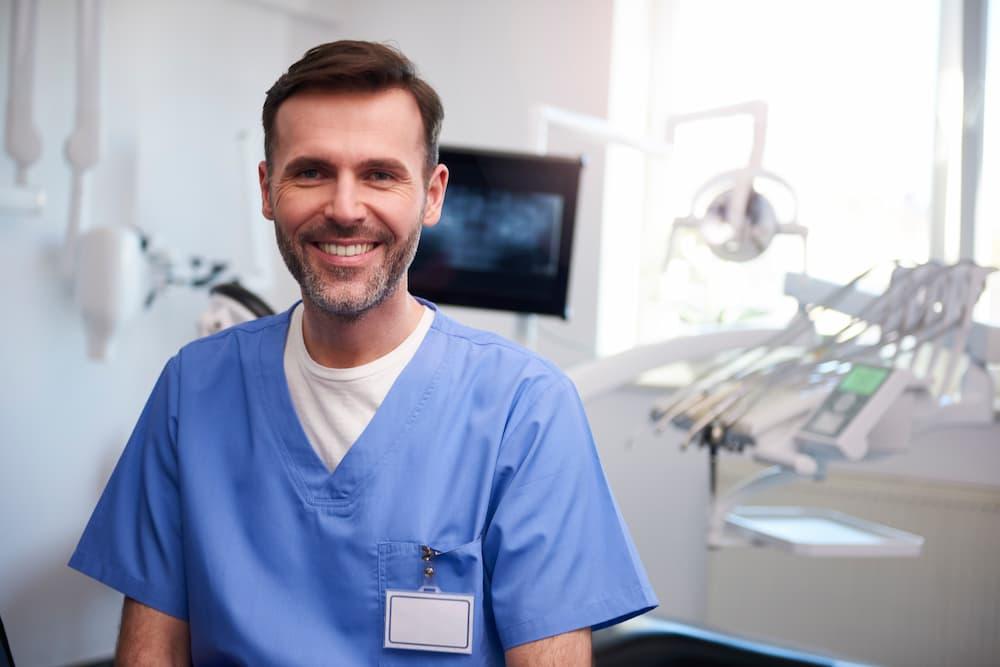 植牙失敗是怎麼回事?醫師教你如何延長植牙的壽命